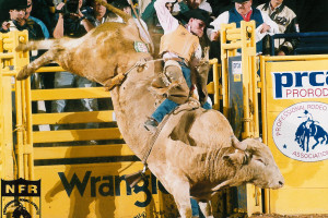 NFR Dec 5,1999 - Vince Stanton & No R410 Ricky's T-Bug, 3 perf B/O